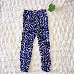 5/$25 Old Navy Blue and White Patterned Joggers